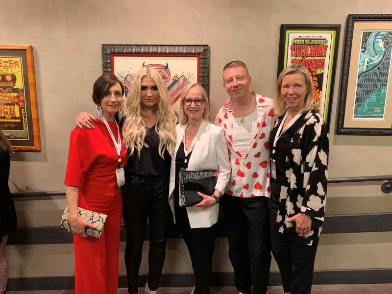 Barb Metcalfe, Kesha, Joanna Journet, Maclemore, Lorinda Strang at the 2019 MusiCares® Concert for Recovery
